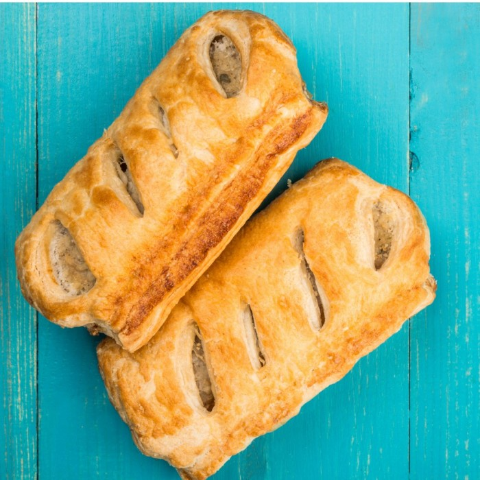 sausage rolls in pastry picture id863785982